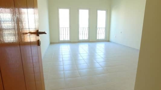 فلیٹ 2 غرفة نوم للايجار في ديسكفري جاردنز، دبي - 13 MONTHS CONTRACT FOR Two BED Apt. Street 6