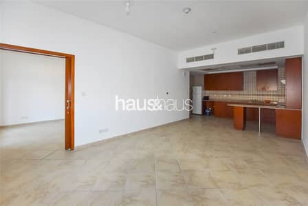 1 Bedroom Apartment for Rent in Motor City, Dubai - Vacant Now | Great Condition | Open Plan Living