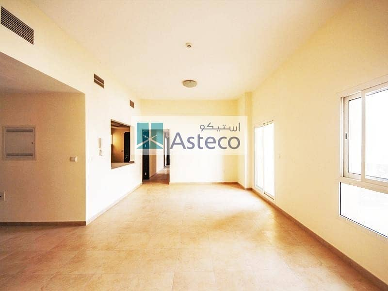 2 Spacious 3 Bed with Balcony and Terrace