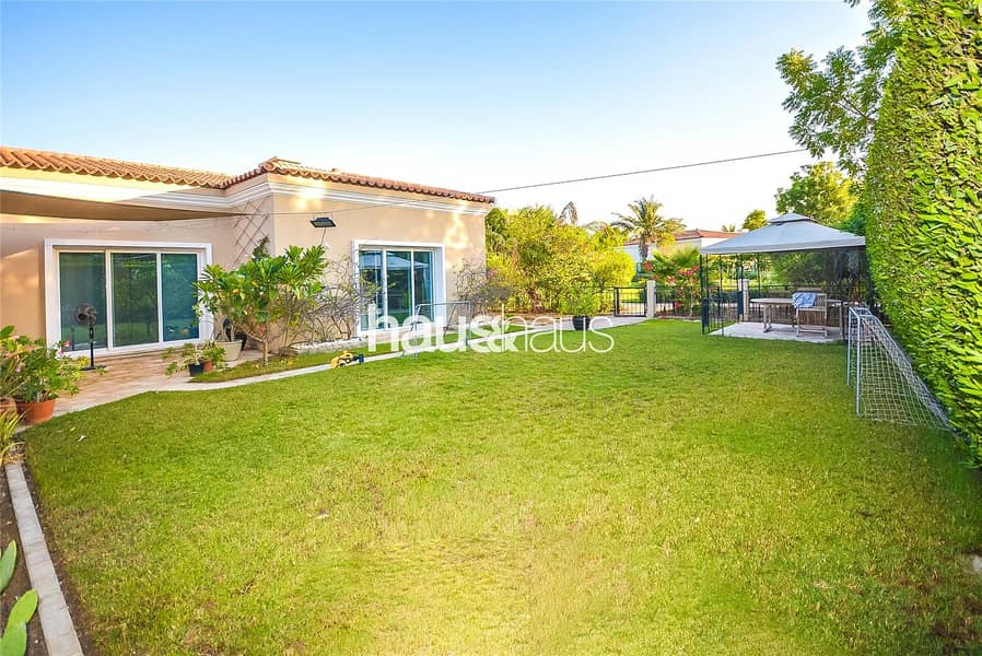 2 Great condition | Close to pool | Vacant