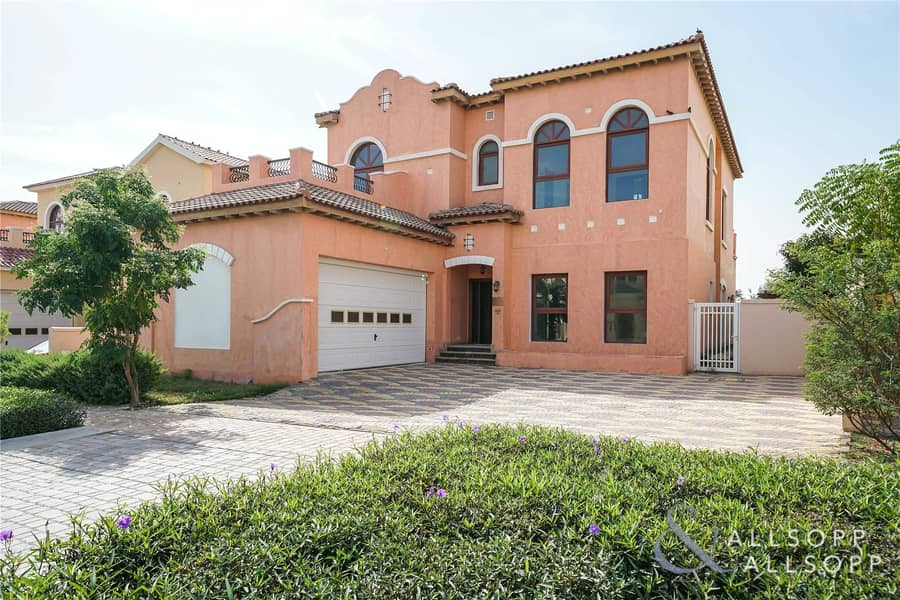 2 New Listing | Golf Course View | Large Rooms<BR/><BR/>