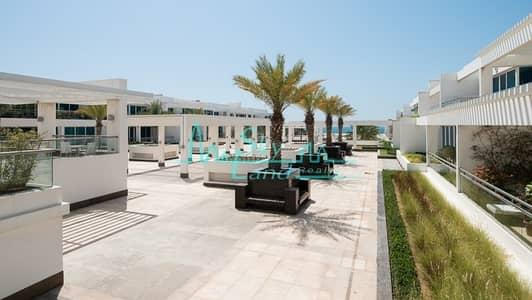 شقة 2 غرفة نوم للايجار في جميرا، دبي - BEACH SIDE!BEST LOCATION! SUPERB 2BED APARTMENT JUMEIRAH