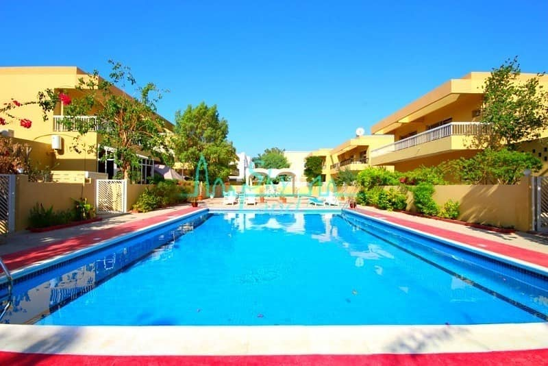 2 RENOVATED 4 BED GARDEN SHARED POOL IN JUMEIRAH 3