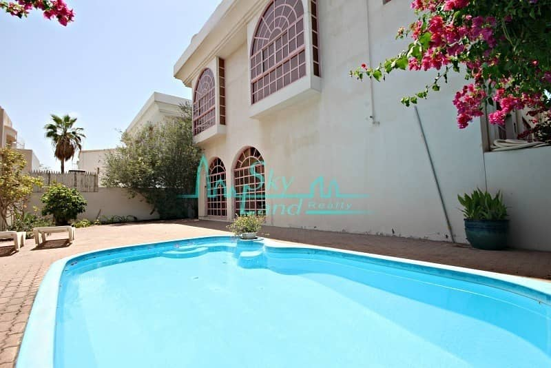 2 BEAUTIFUL 5 BED  PRIVATE SWIMMING POOL  JUMEIRAH 3
