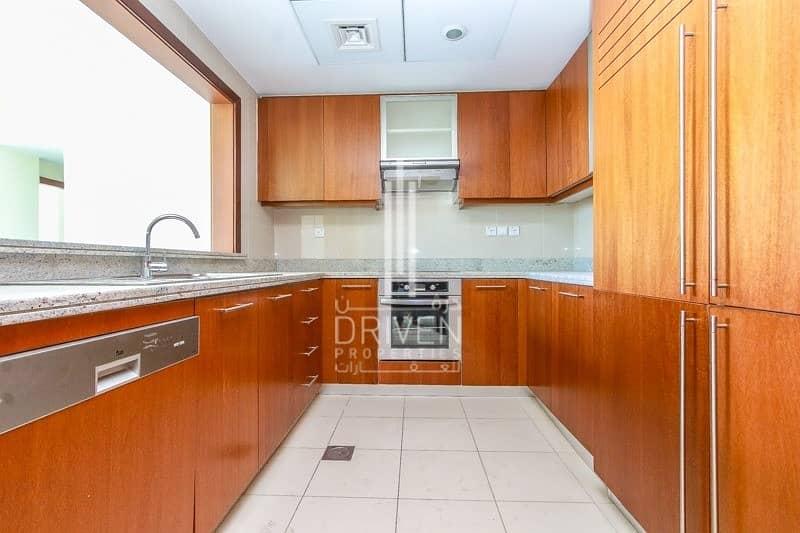 10 Best Deal | Spacious 2 Bedroom Apartment