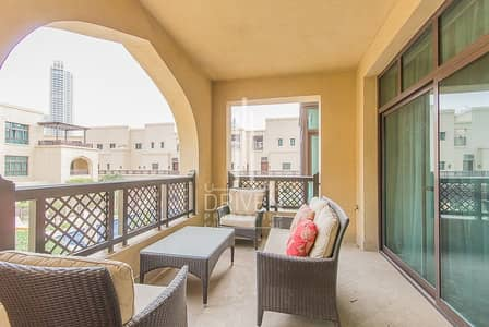 2 Bedroom Flat for Sale in Old Town, Dubai - Vacant Furnished 2BR Apt plus Study Room