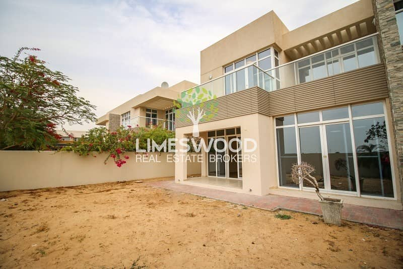 2 3BR+Maid Modern Style | Well Maintained | Freehold