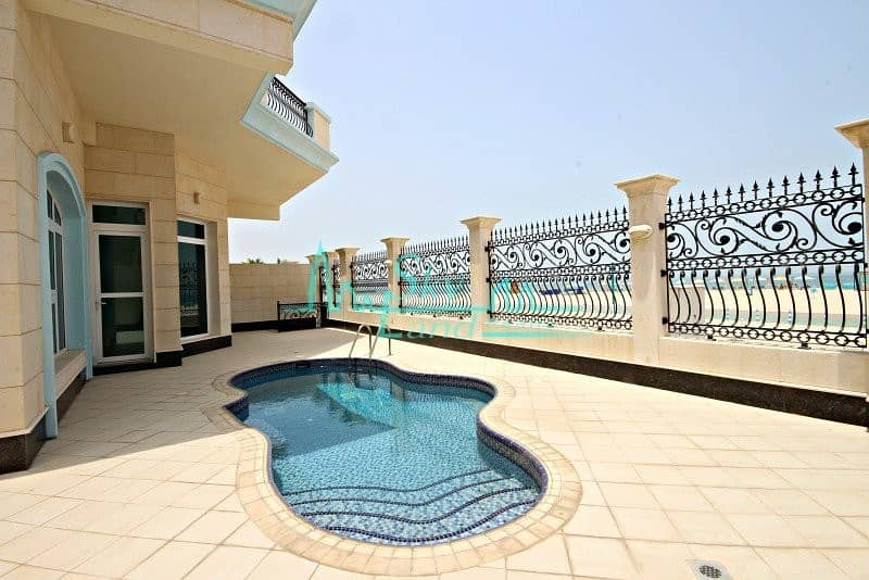 Beachfront!  Splendid  5 bed with private pool (1027)