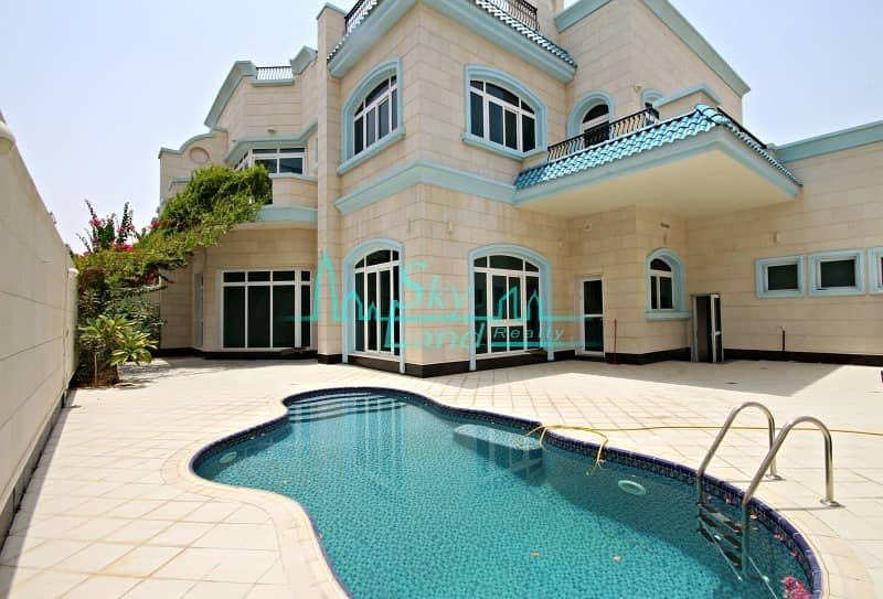 Beach side beautiful 5 bed villa with private pool(1026)