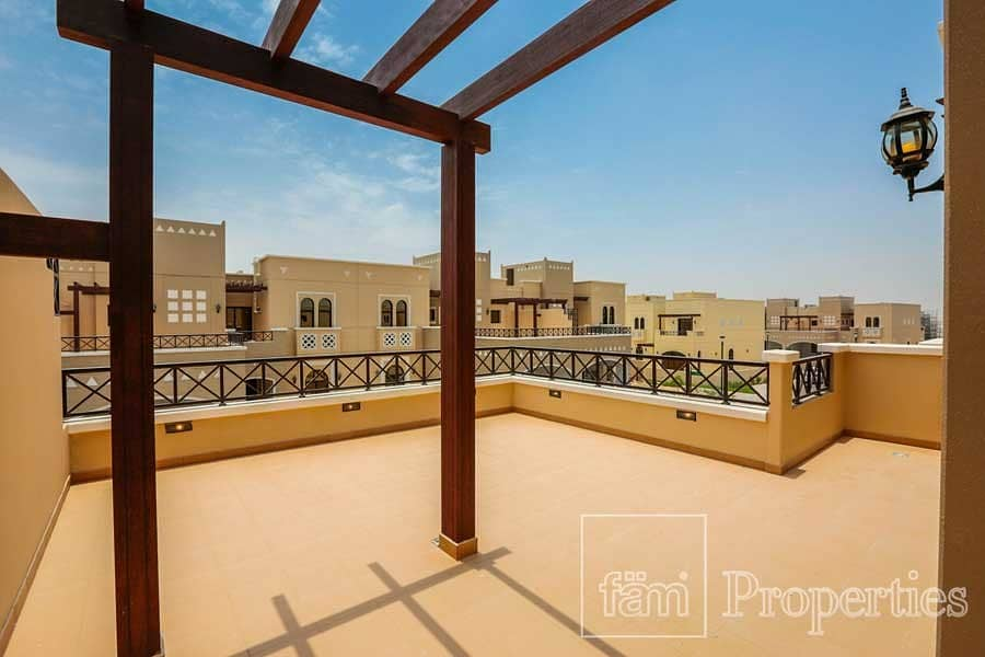 2 4BR Middle TH in Mudon Phase 1 Near Park