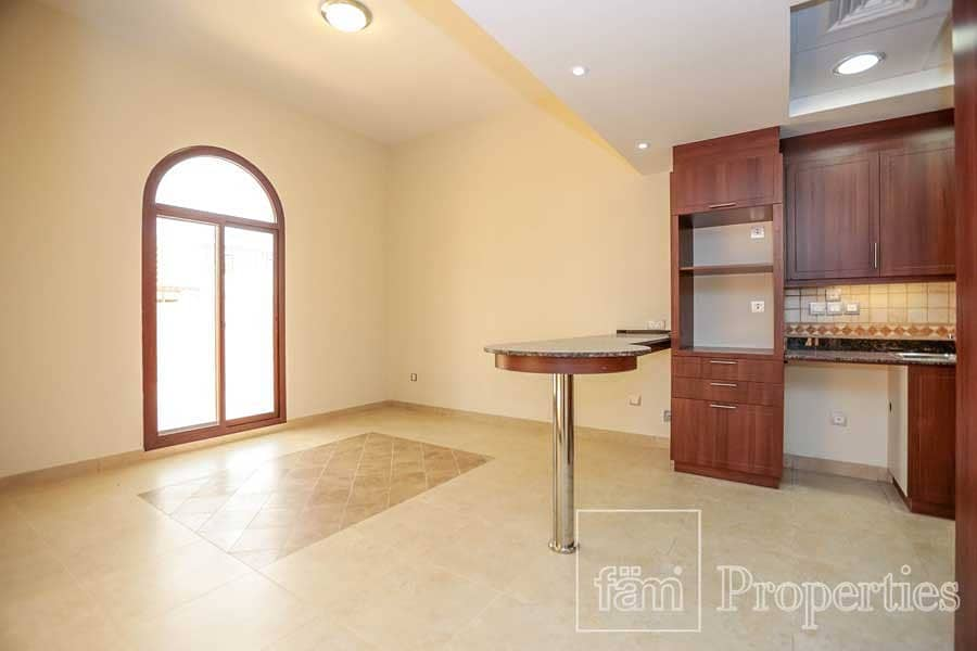 4BR Middle TH in Mudon Phase 1 Near Park