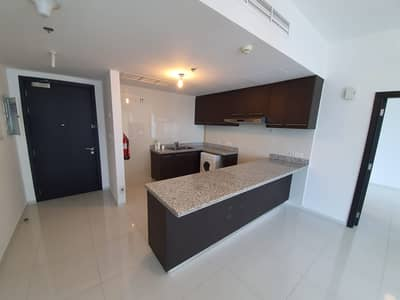 1 Bedroom Flat for Rent in Al Reem Island, Abu Dhabi - sea view Apartment For Rent in Al Reem Island with balcony  2 payment