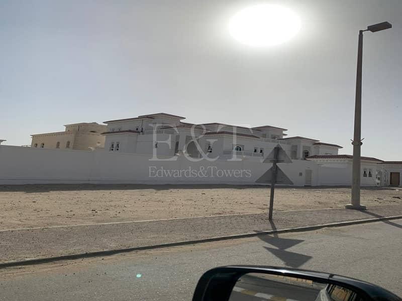 14 Very Huge Villa I Brand New I With Balcony I 19 Br