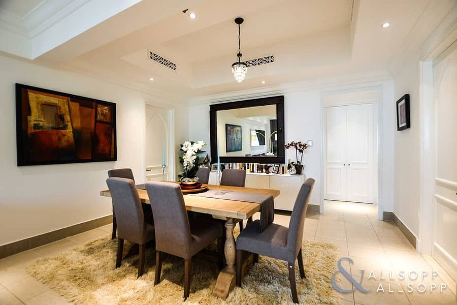 2 2 Bedrooms | Fully Furnished | Upgraded