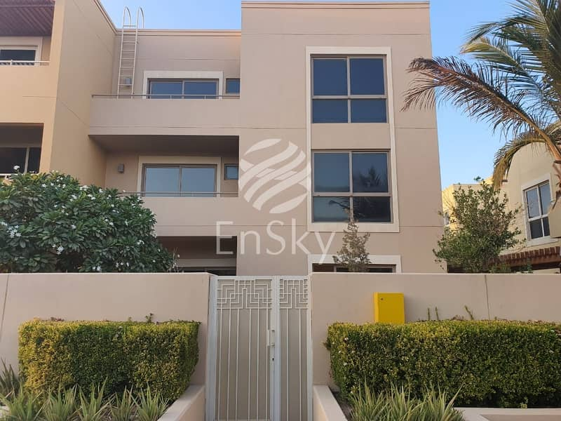 Modern and Bright 4 bedroom town House /Perfectly ...