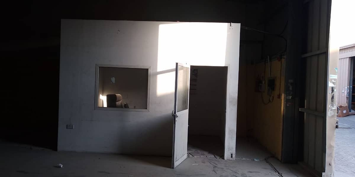 Fully Fitted| Big Spacious Warehouse Available for Rent.
