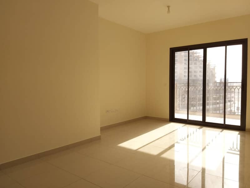 2 Bedroom plus storage closed kitchen apartment with 15 days free