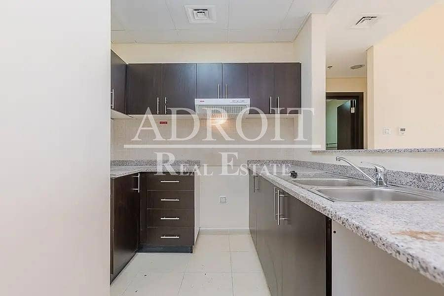 10 Lovely Unit | Well Priced 1BR Apt in Queue Point