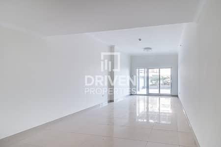فلیٹ 3 غرف نوم للايجار في الخليج التجاري، دبي - Spacious and Affordable with Huge Balcony