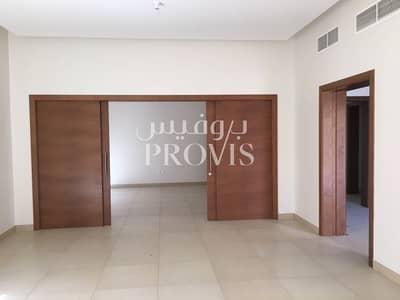 فیلا 5 غرف نوم للبيع في حدائق الجولف في الراحة، أبوظبي - Perfect Home For You And Your Family. Call Us Now!