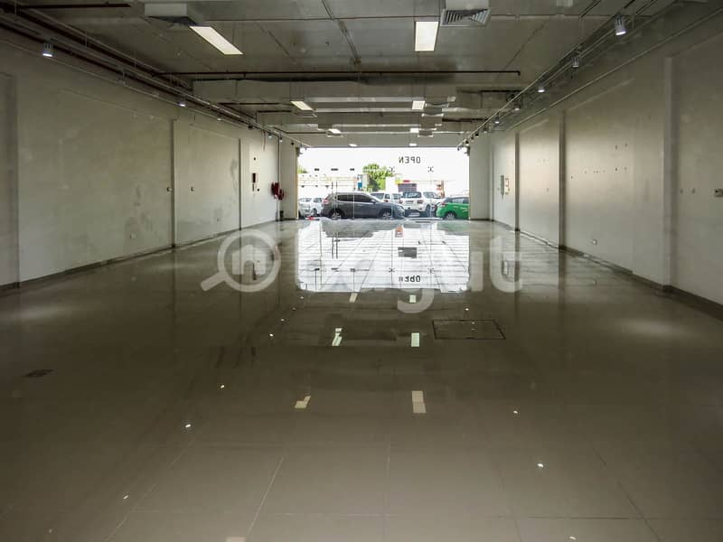 Showroom for rent in Al Barsha
