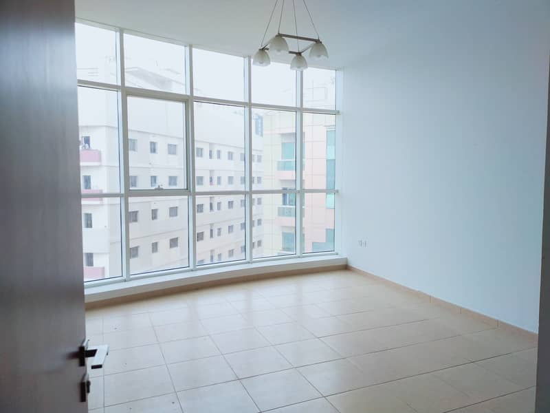45 Days Free Offer / Very Spacious 2 Bedroom Huge Hall 3 Washroom Apartment Available Rent Only 60k With Balcony