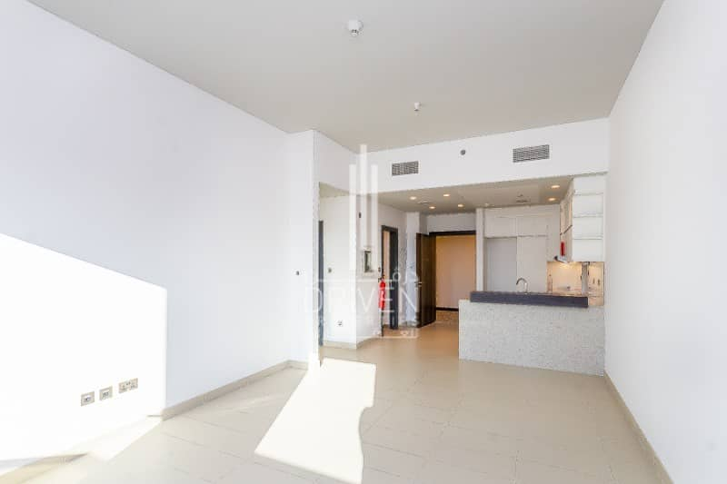 Spacious 1 Bedroom Apartment |Motor City