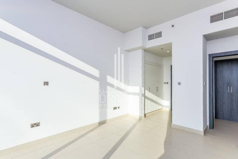 2 Spacious 1 Bedroom Apartment |Motor City