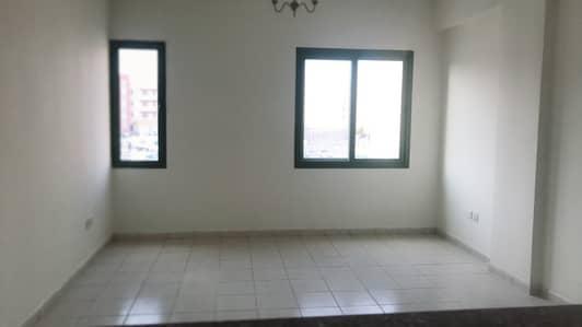 فلیٹ 1 غرفة نوم للايجار في المدينة العالمية، دبي - شقة في طراز المغرب المدينة العالمية 1 غرف 27000 درهم - 4413145