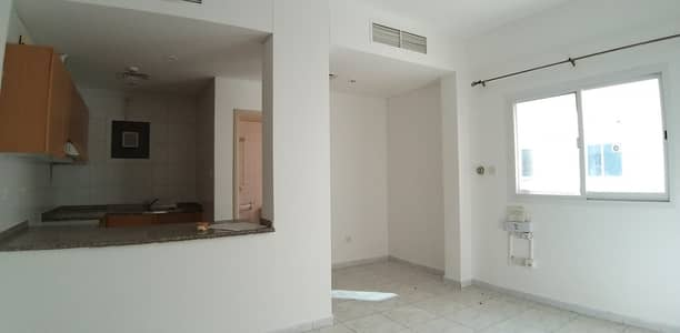 Studio for Rent in Bur Dubai, Dubai - Studio for rent in Oud Metha with 15 days free limited time