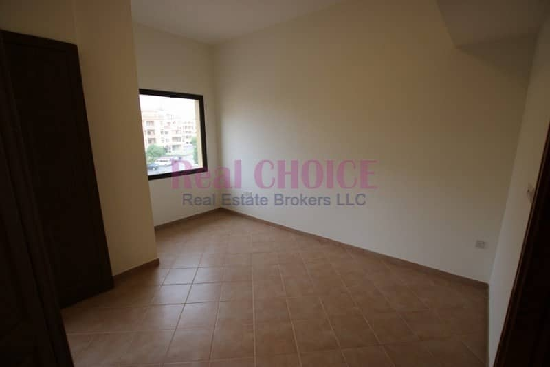 2Br apartment with 1 month free and 12 Cheques payment