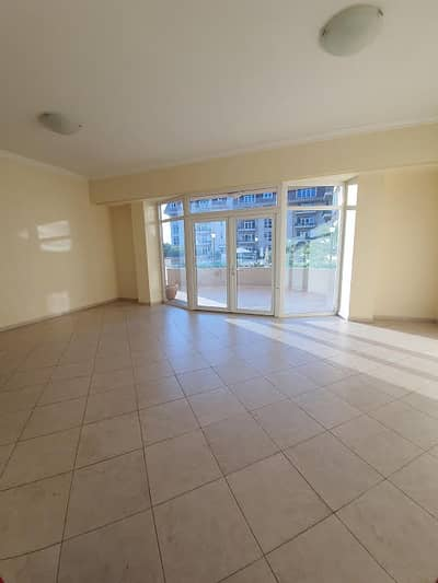 Spacious 1br terrace apartment for rent in uptown mirdif