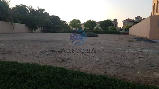 Industrial Land for Sale in The Villa, Dubai - Build Your Dream Home in this Huge Plot