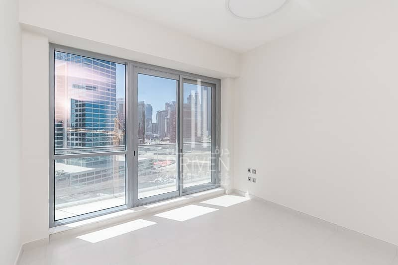 Modern 2 Bed Apartment |Quality Finishes