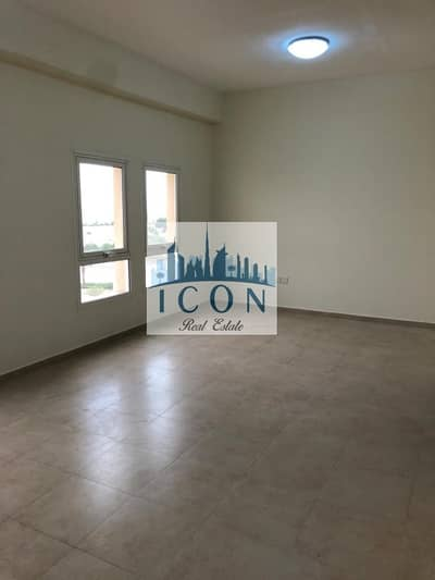 1 Bedroom Apartment for Rent in Remraam, Dubai - Spacious I Closed kitchen I RemRaam