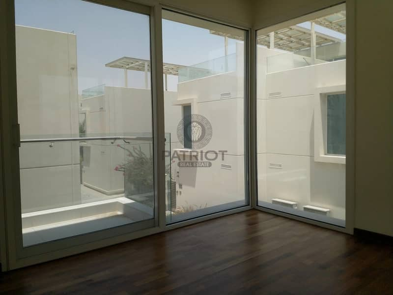 10 Specious 4 BR villa for rent in sustainable city