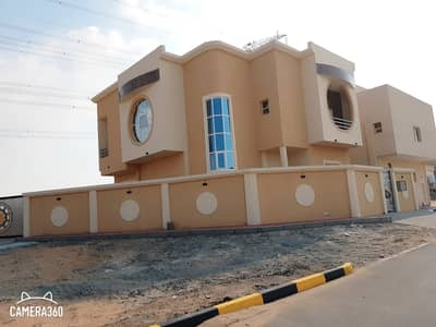 5 Bedroom Villa for Sale in Al Helio, Ajman - Villa for sale in Ajman with bank financing