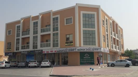 Building for Sale in Al Mowaihat, Ajman - New building for sale residential commercial area Moyhat on the main street