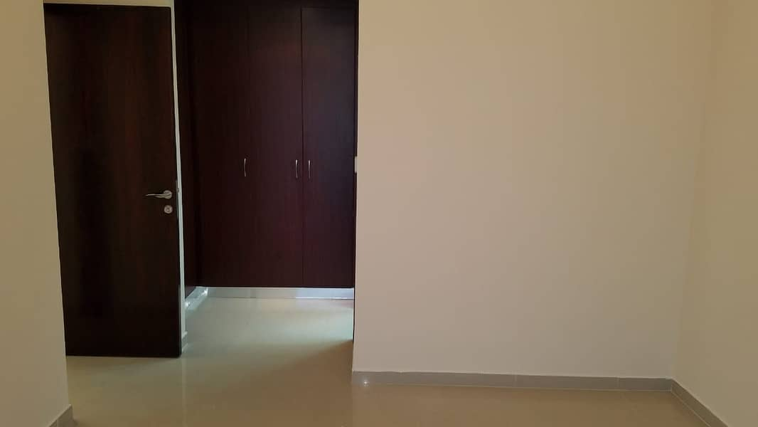 Stunning one bedroom apartment for in DEC Tower