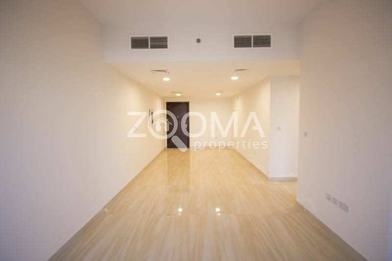 Spacious & Luxurious|No Commission|Chiller Free