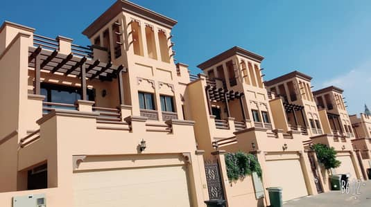 4 Bedroom Villa for Rent in Jumeirah, Dubai - Direct from owner luxury 4 br villa @ jumeirah - 1