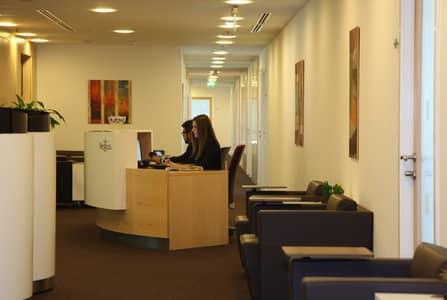 مکتب  للايجار في شارع الشيخ زايد، دبي - اتصل بنا الآن لحجز زيارتك.