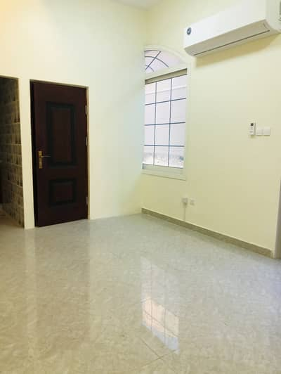 2 Bedroom Apartment for Rent in Mussafah, Abu Dhabi - good 2BHK For Rent (40000)AED Shabiya 10 Owner Building  4Payments