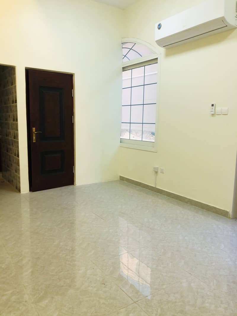 شقة في شعبية مصفح 2 غرف 40000 درهم - 4419782