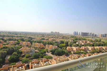 2 Bedroom Apartment for Sale in Dubai Sports City, Dubai - Golf Course Views | 2 Beds | Unfurnished