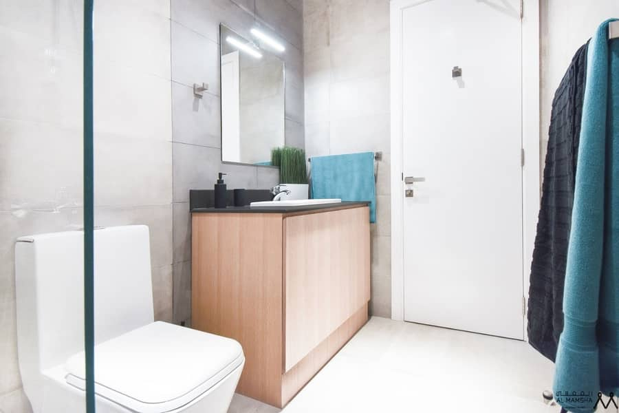 21 pay 1800aed monthly and own studio in luxuery community