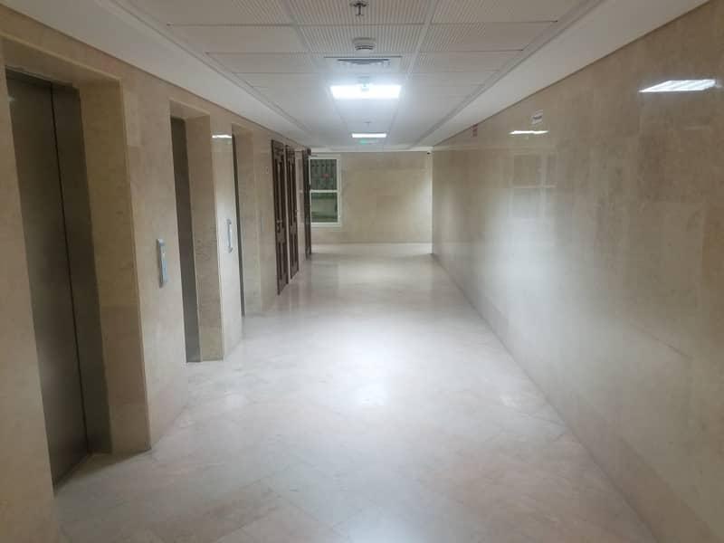 شقة في شعبية مصفح 1 غرف 40000 درهم - 4419911