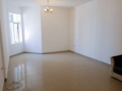 Distress & Spacious Studio For Sale In Horizon Tower with Parking!!