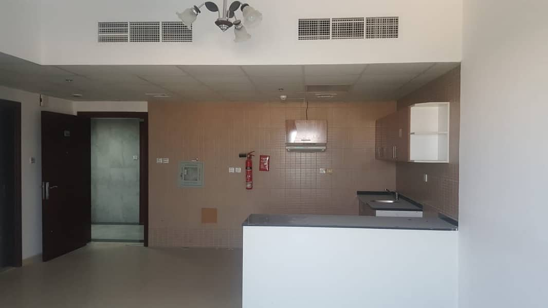 Apartments  in Ajman Monthly Pay 3000 AED Only ready to move in