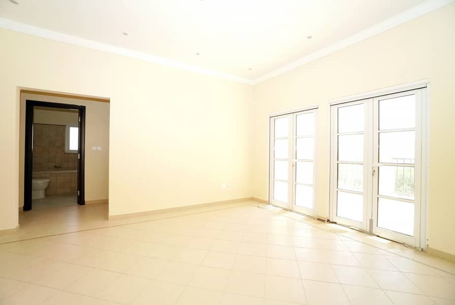 2 READY TO MOVE |MODERN INDEPENDENT VILLA |NEAR EXIT